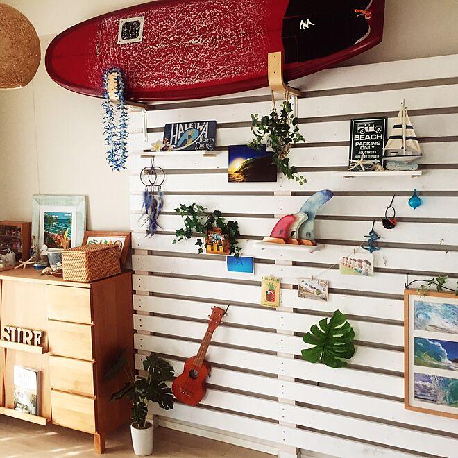 サーフボードのある壁