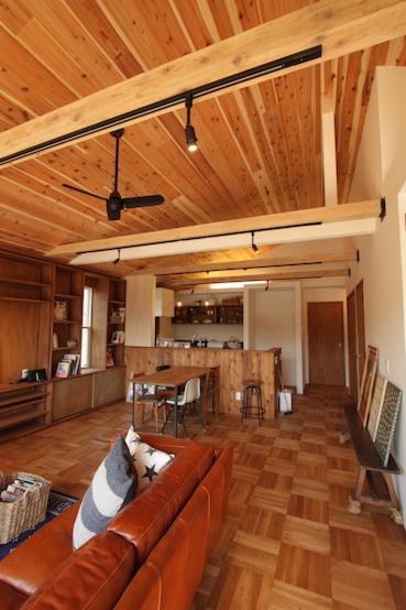 勾配天井が素敵なナチュラルな空間