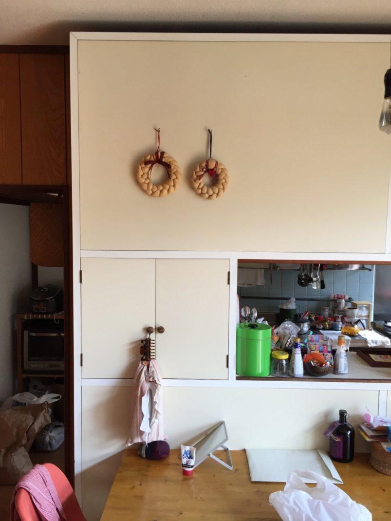 Fさんのおうちのリビングにあった食器棚