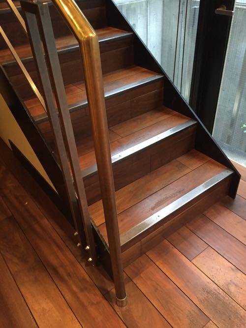原宿のスタバにあった階段