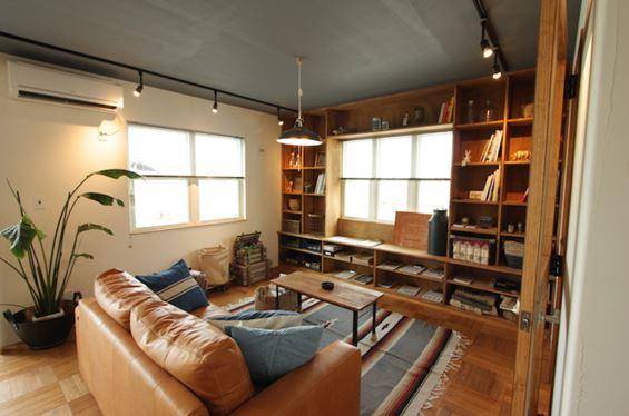 ブルックリンスタイルらしい家具のある部屋