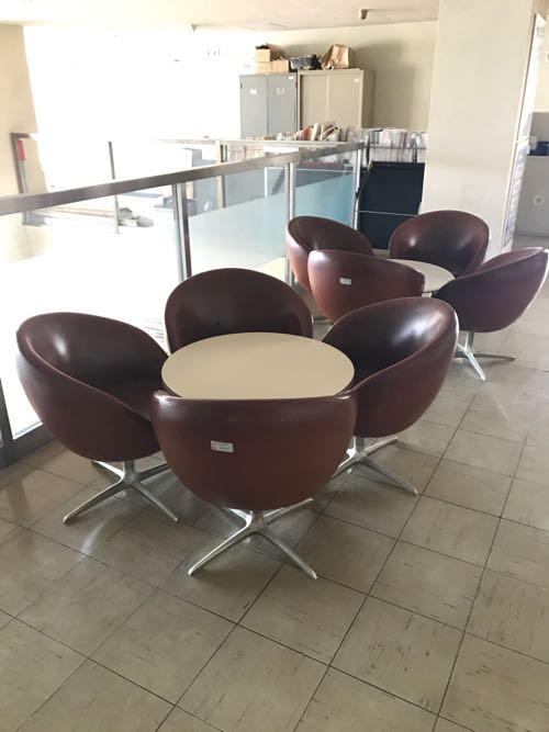 レトロな丸い椅子