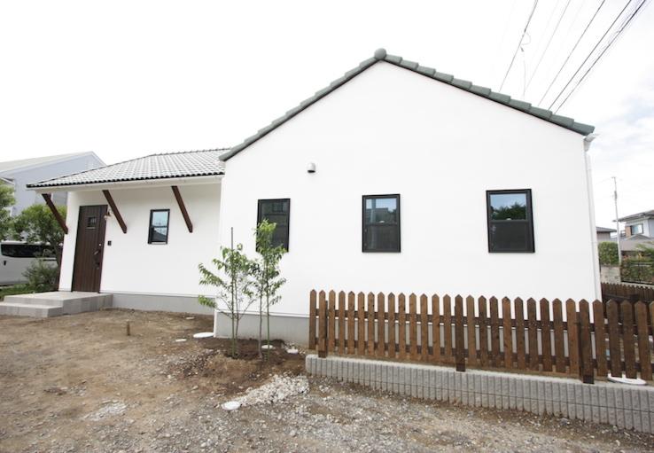 瓦屋根の家