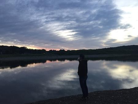 川と人の写真
