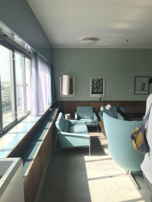 ブルーグリーンの色のような部屋