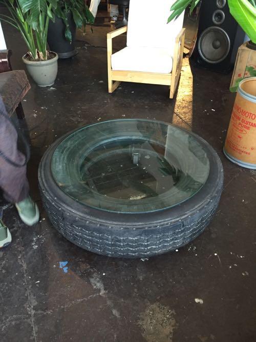 タイヤのテーブル