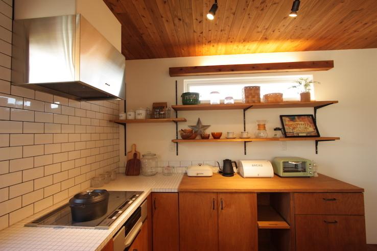 コの字型キッチンが特徴のブルックリンハウス
