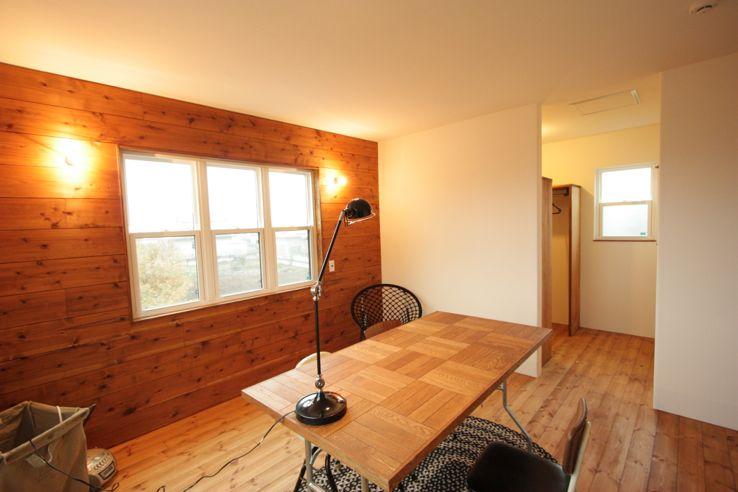 木材の質感を利用した壁