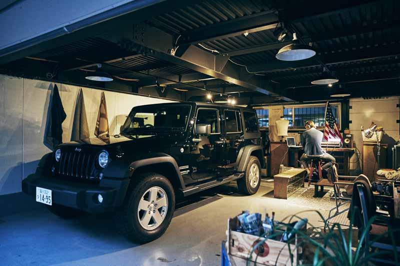 ジープのあるガレージ