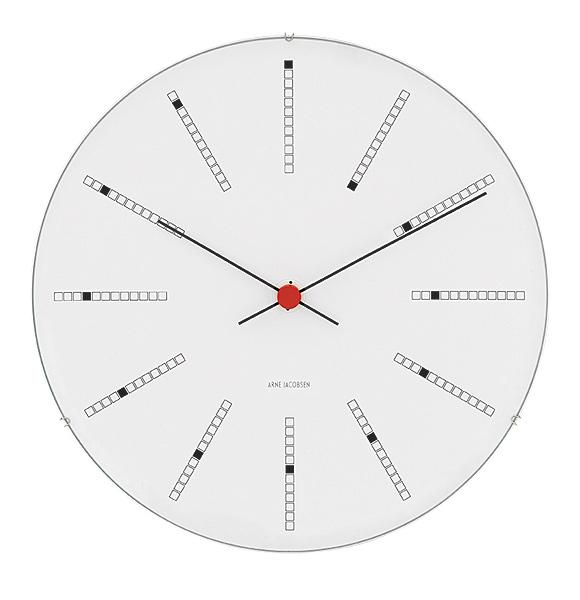 中心が赤い時計
