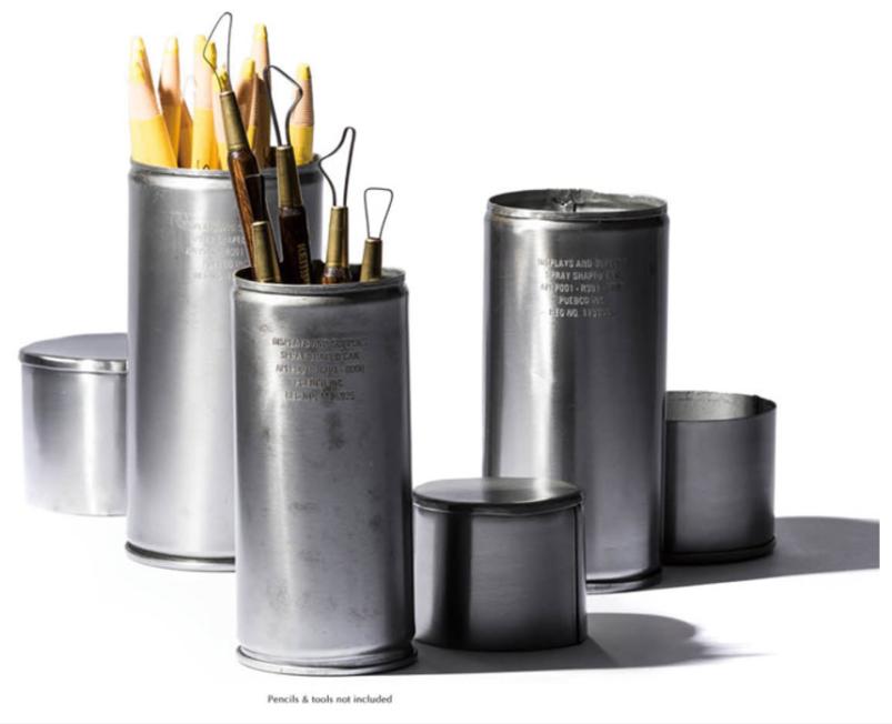 メタル素材のペン立て