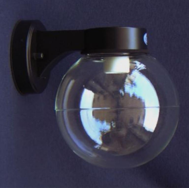 レトロ感あふれる船舶系の玄関照明