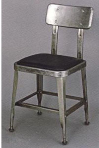 無骨な椅子