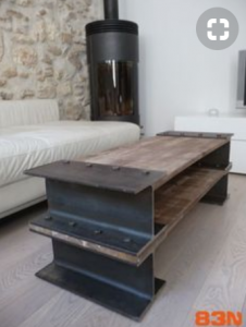鉄と木のテーブル